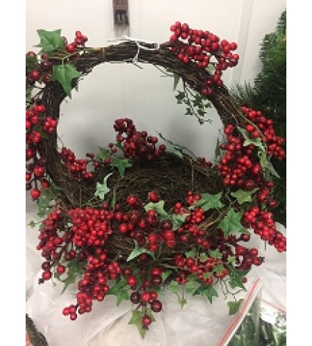 BERRY & HOLLY BASKET