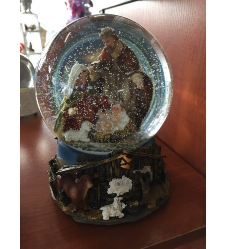 STABLE SCENE SNOW GLOBES